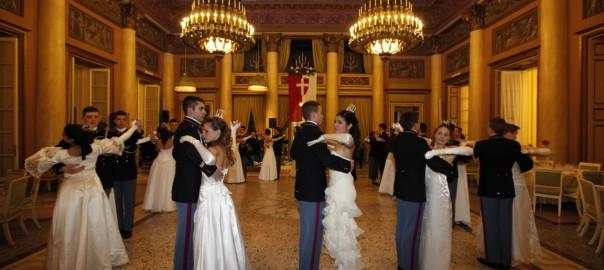 Le Bal des Débutantes comme vous ne l'avez jamais vu avec Paris Modes TV